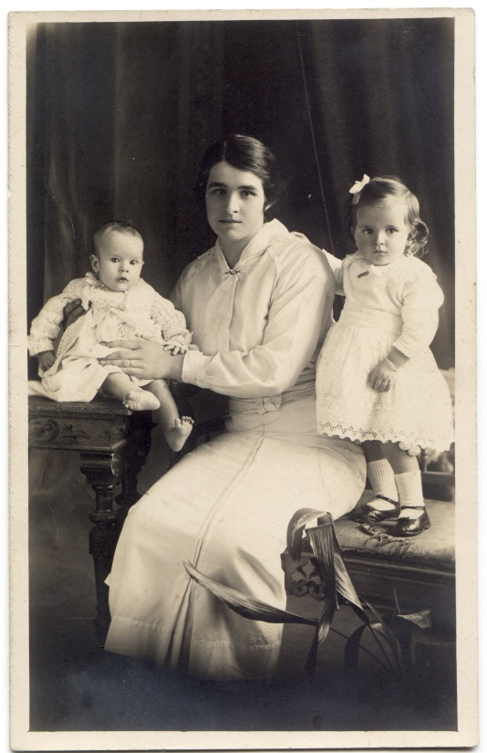 Hilda Smith (nee Hutchins) age 20 with her children Clarence William Jnr and Hillary Jean  in 1916